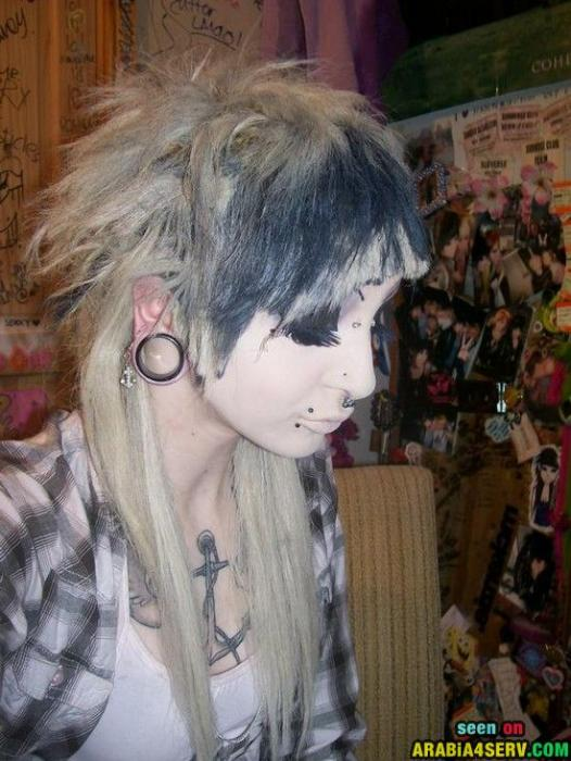 تسريحات شعر غريبة جدا