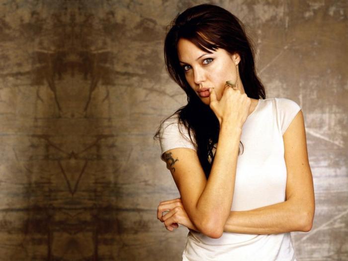 ���� ���� ������� ������� ���� Angelina Jolie