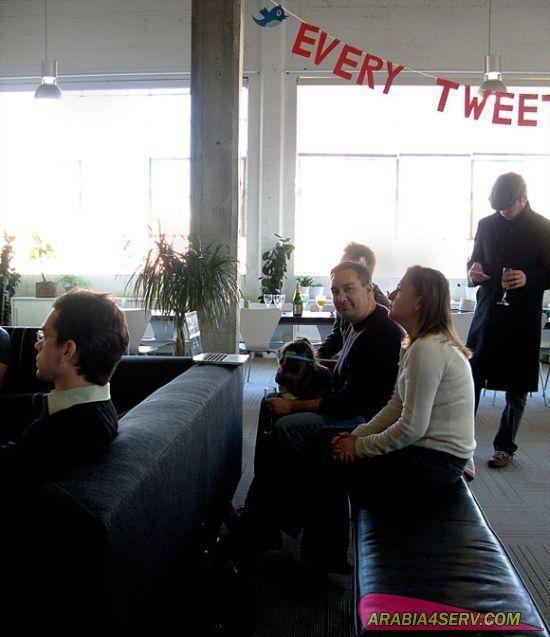 صور من داخل الفيس بوك و تويتر