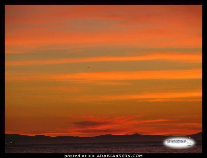 صور السماء لحظة غروب الشمس
