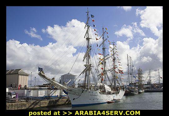 صور سفن شراعية طويلة الشراع