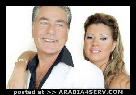 صور مصطفى فهمى وزوجته