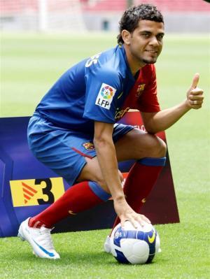صور لاعب برشلونة دانييل الفيس