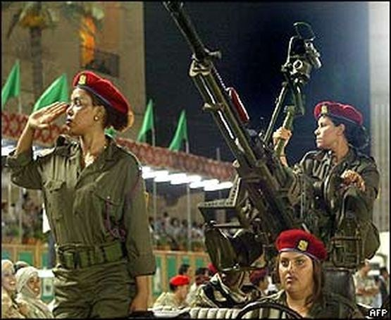 صور الحارسات الشخصيات للقذافي - صور حارسات القذافي - صور نادرة مميزة للتحميل والمشاهدة