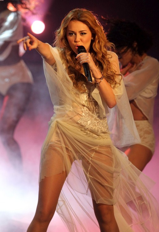 اغراء - اثارة مايلي سايروس صور مثيرة ساخنة 2014 Miley Cyrus Hot 2014
