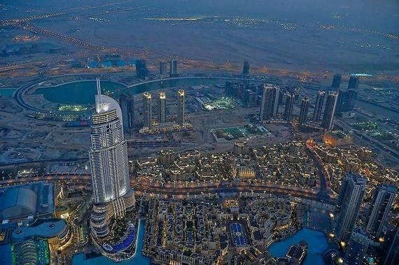 صور برج خليفة من الداخل