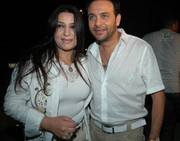 صور مصطفى قمر وزوجته واولاده