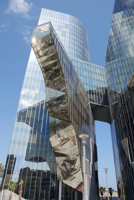 صور مباني غريبة و مميزة