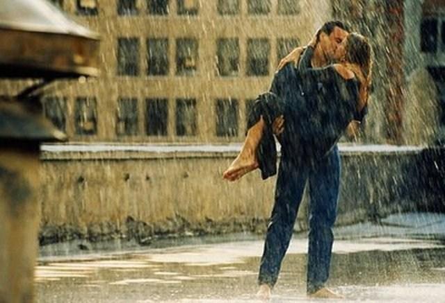 صور قبلات تحت المطر - صور رومانسية 2014